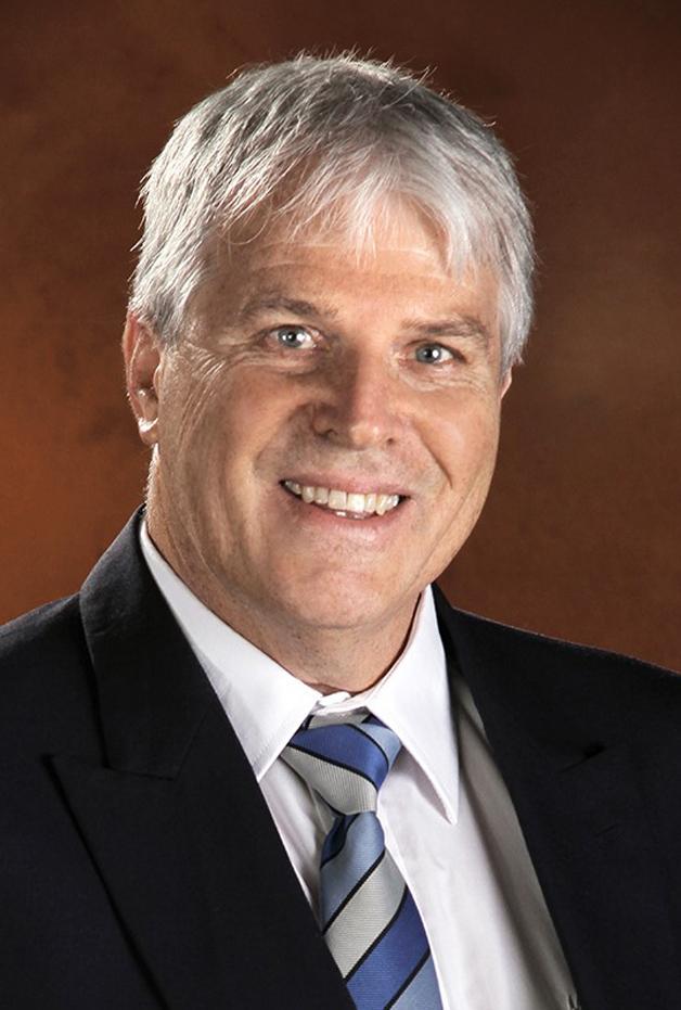 Dr Pieter Henning